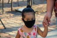 Criança de máscara (Foto_Leo_Fontes_Pixabay)