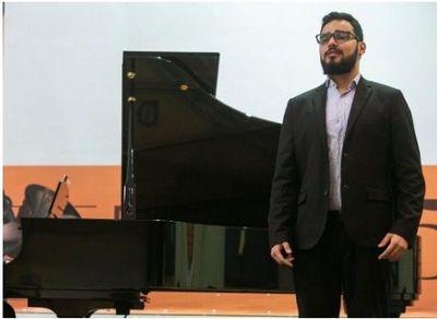 Estudante de bacharelado em Canto da EMAC, Erickson Nunes