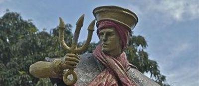 Estátua de Exu na Praça dos Orixás em Brasília-DF