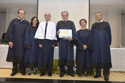 Com 44 anos de vida acadêmica, Maurício Leite recebe título de Professor Emérito
