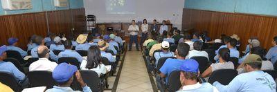Servidores participam de palestra