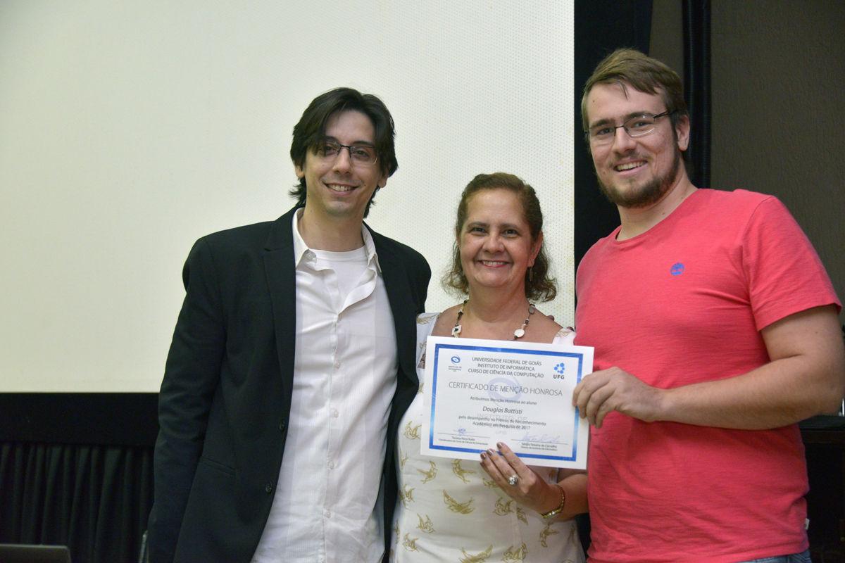 Evento de premiação foi sediado no Auditório da Faculdade de Letras e conduzido pelo professor Celso Camilo