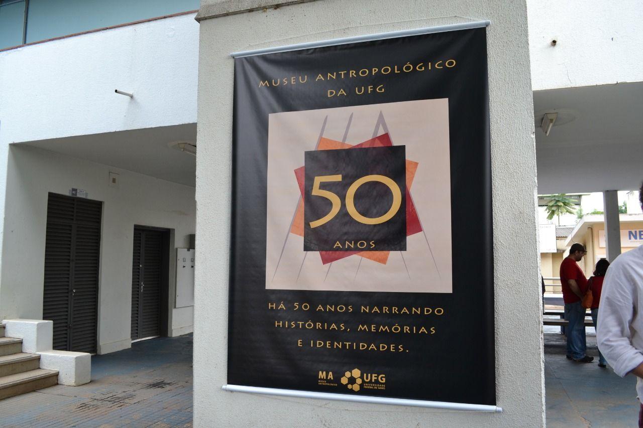 banner museu antropológico 50 anos_selo comemorativo