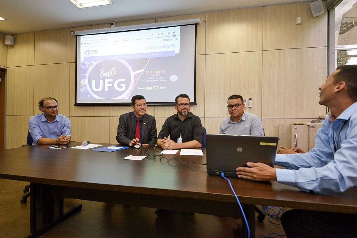 Foto do evento de lançamento da plataforma Analisa UFG