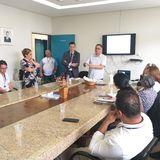 Reitor Edward Madureira e secretário Ricardo Barbosa de Lima participam da reunião de apresentação do projeto