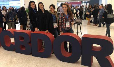 Foto das alunas do Doutorado  Natália de Carvalho Borges, Raquel Soares de Araújo e Louise Amália de Moura no 14º Congresso Brasileiro de DOR que ocorreu entre os dias 19 e 22 de junho em São Paulo.