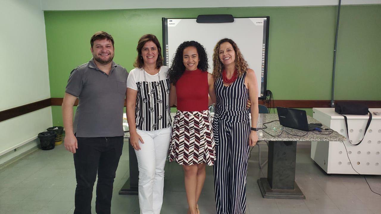 Qualificação de Neila Teixeira Lima