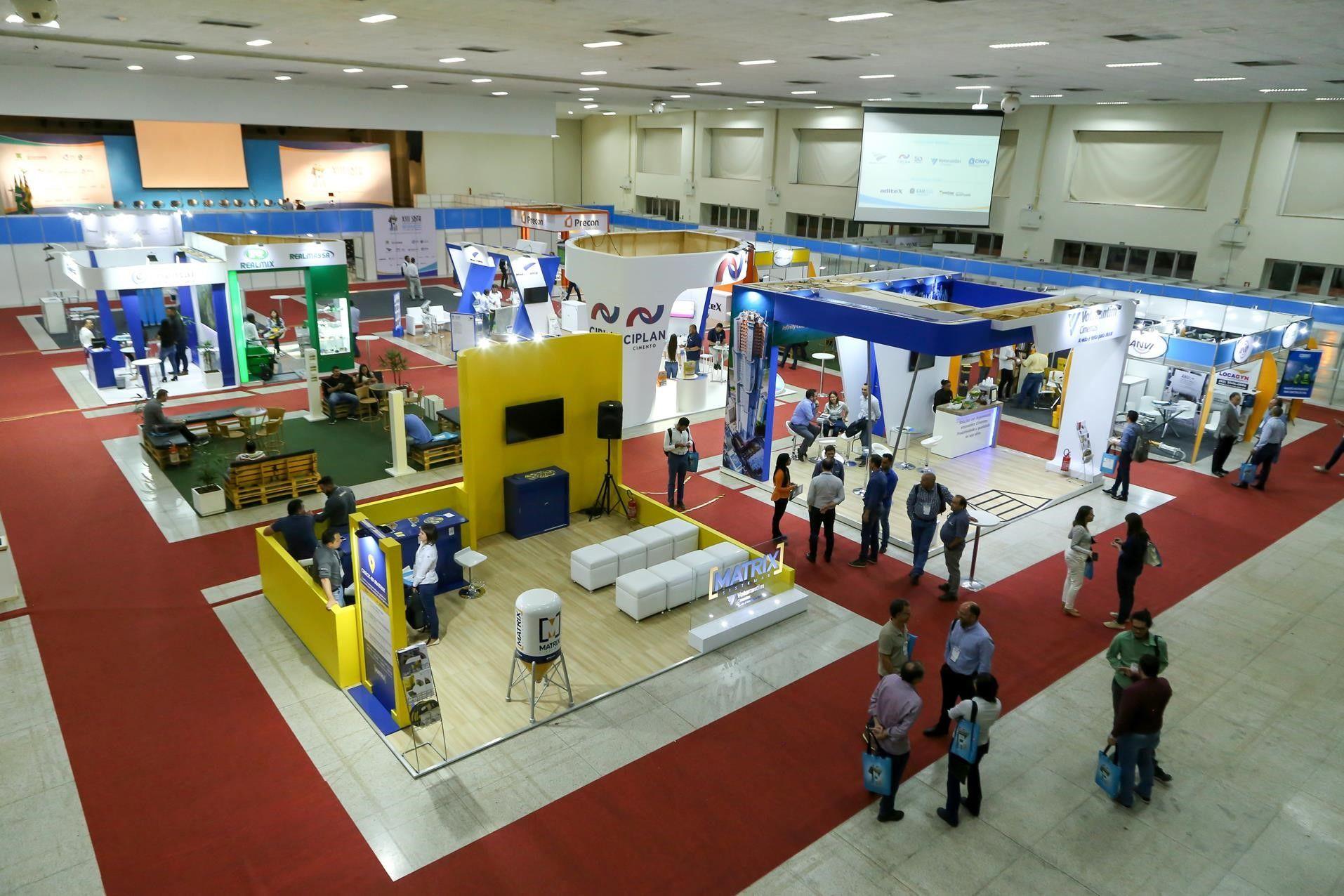 Feira técnica com grandes expositores e fornecedores do setor