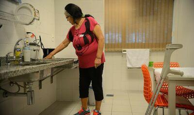 Trabalho doméstico em cuidados