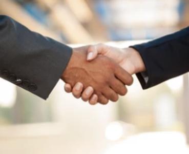 ID da foto stock livre de direitos: 330883274 homens de negócios mão e mulheres que apertam as mãos vhttps://www.shutterstock.com/pt/image-photo/hand-business-men-women-who-shaking-330883274
