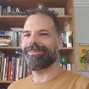 Professor Rafael Rodrigues