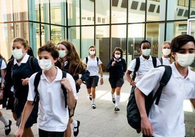 <a href='https://br.freepik.com/fotos/escola'>Escola foto criado por rawpixel.com - br.freepik.com</a>