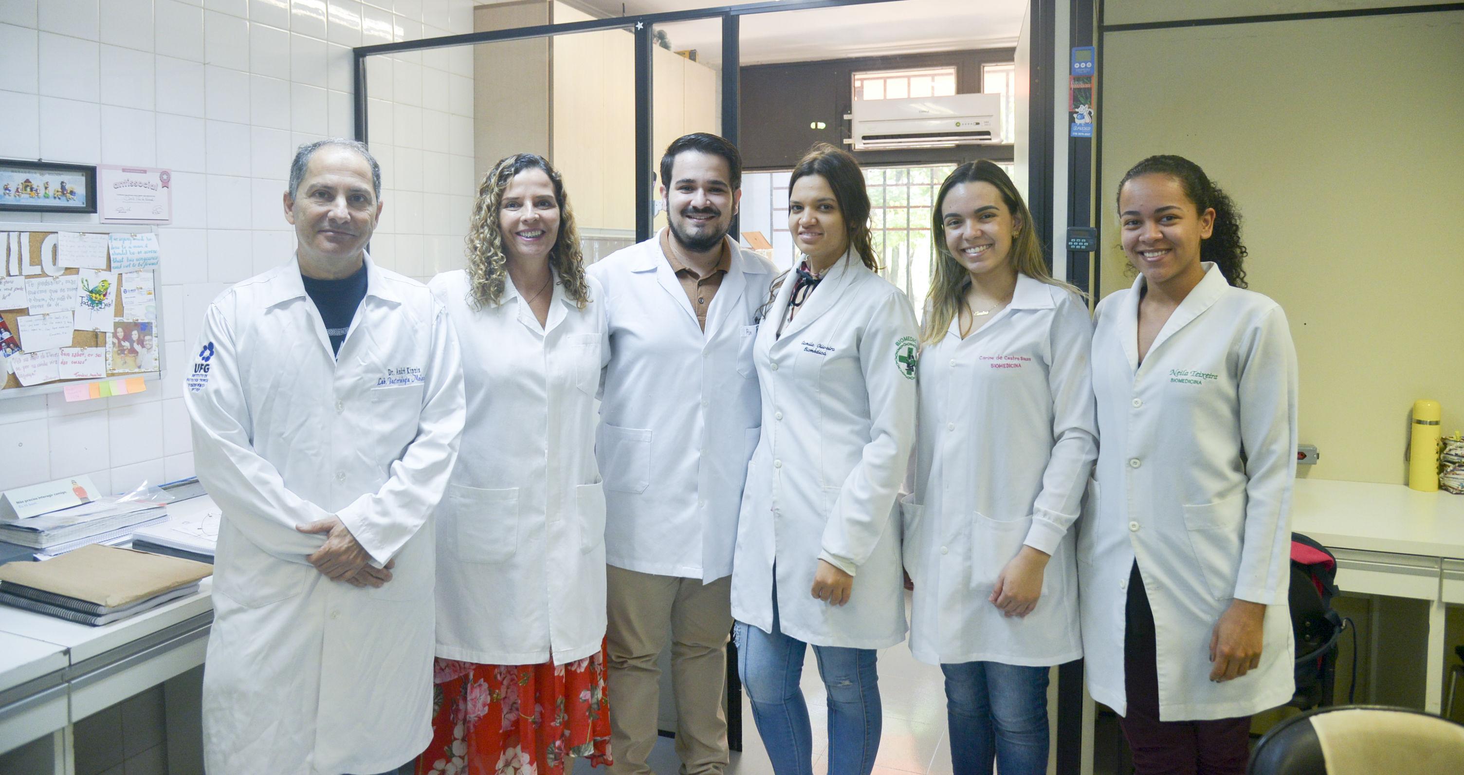 Equipe pesquisa tuberculose