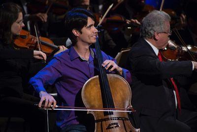 Aluno da EMAC, Raphael Leal Gonçalves, vence concurso público para vaga de violoncelista na Orquestra Sinfônica de Paraná.