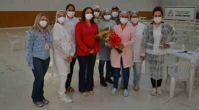 Reitora agradece às profissionais de saúde de Catalão pela vacinação de servidores da UFCAT