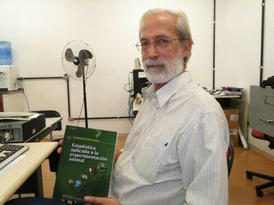 Ivan livro(1).jpg
