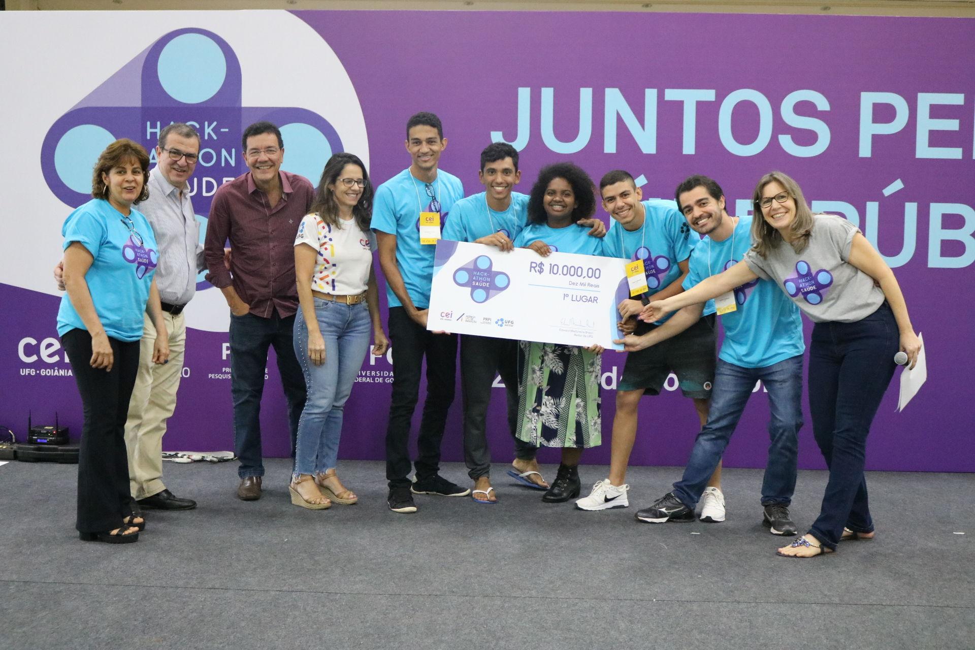 Equipe Equalize - primeiro lugar 1º Hackathon em Saúde UFG
