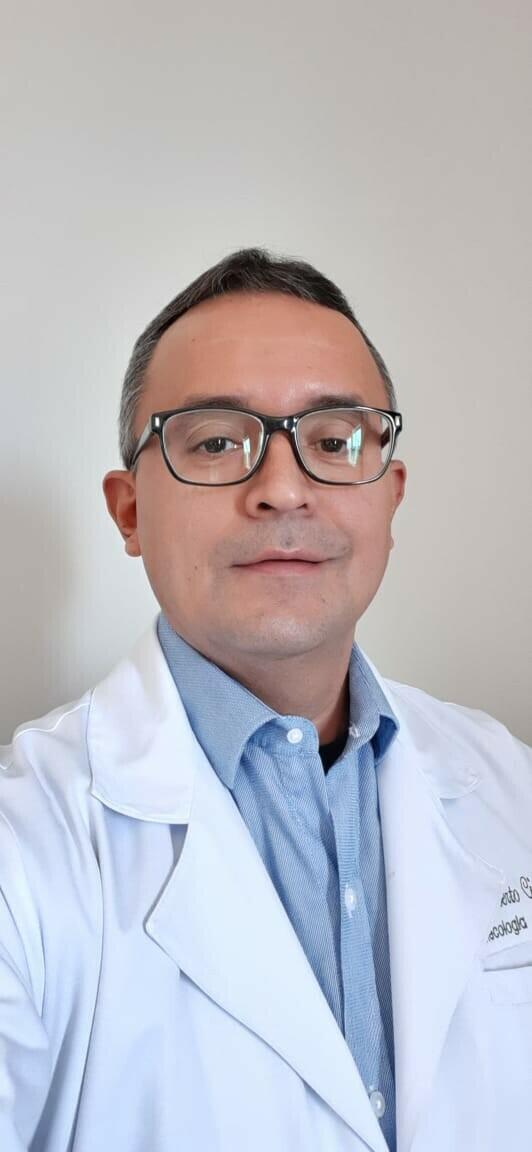 Roberto Fabiano Cintra Farias
