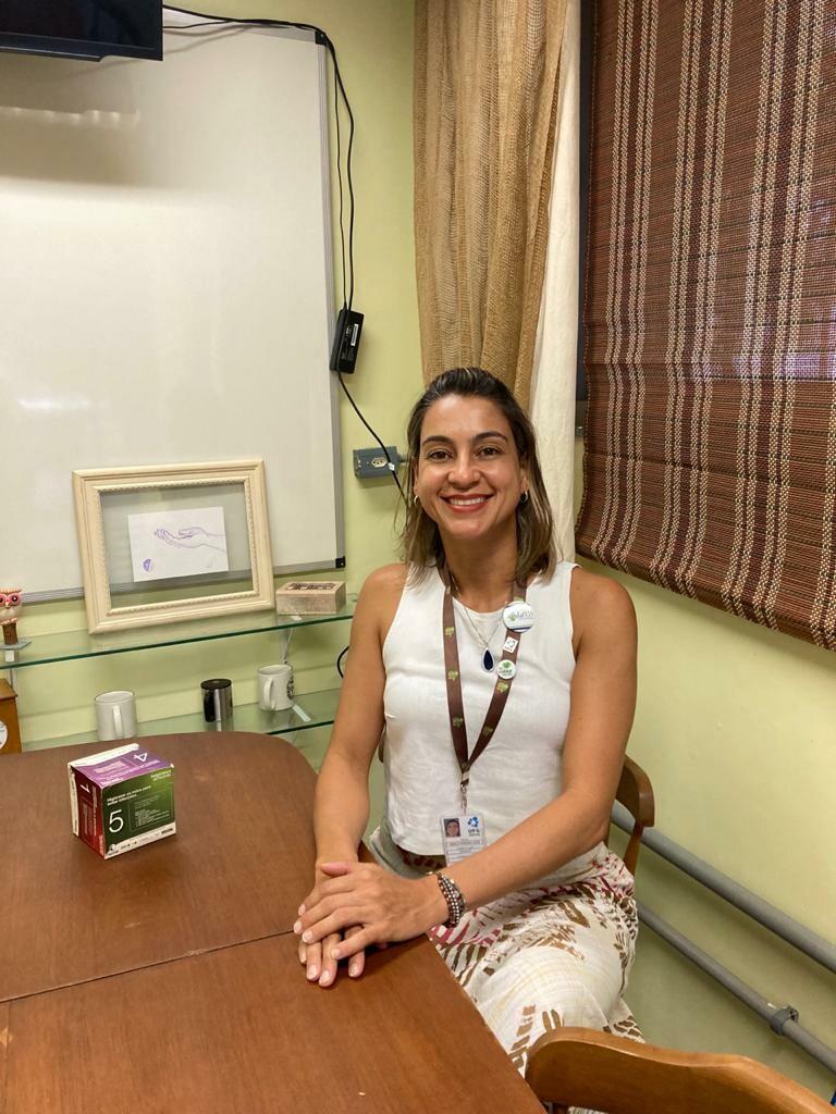 Profª Angela Lopes
