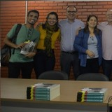 Lançamento de 6ª coletânea de Estudos Contemporâneos em Jornalismo. Esta edição reúne 20 artigos escritos por 34 autores entre professores, alunos e convidados.