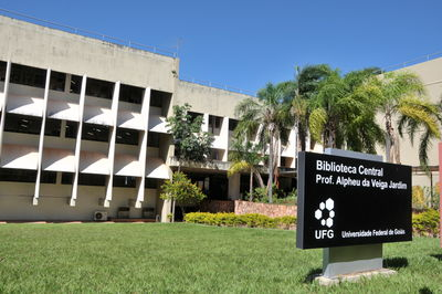Foto fachada da biblioteca central
